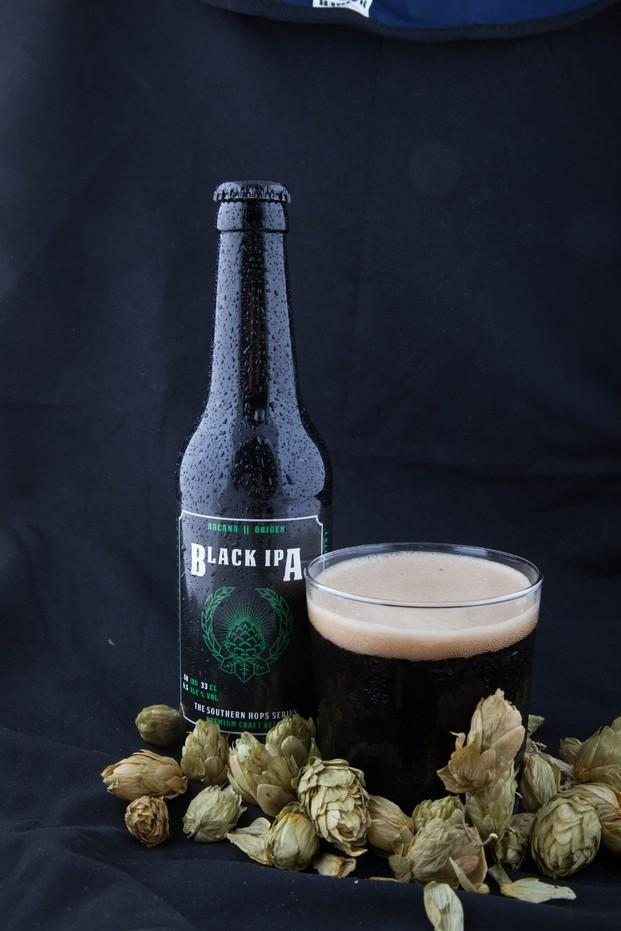 Black Ale. Pruebe nuestra cerveza artesanal negra