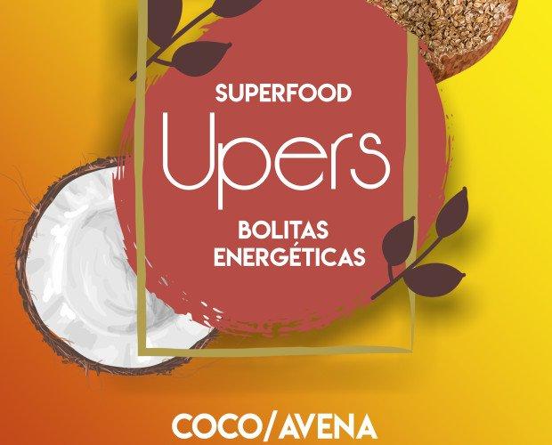 Golosinas. Gominolas. Ingredientes: dátil, coco, avena, pasta de avellana.