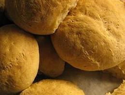 Pan. Amplia variedad de panes y bollería