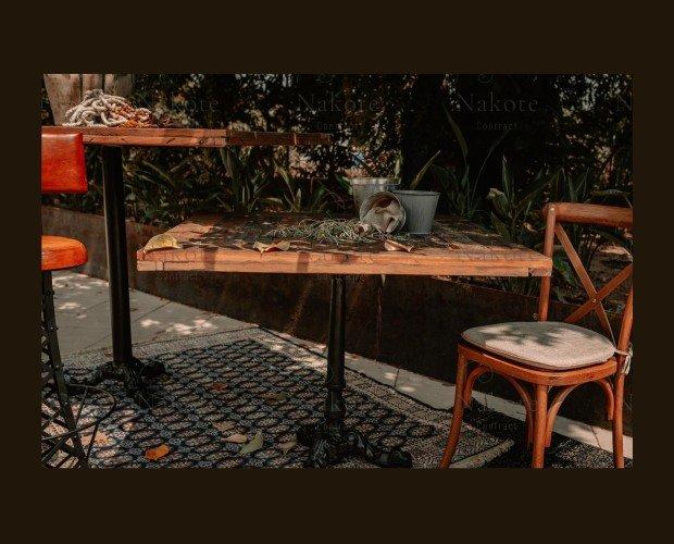 Mesas.Diseño para uso en interiores y exteriores