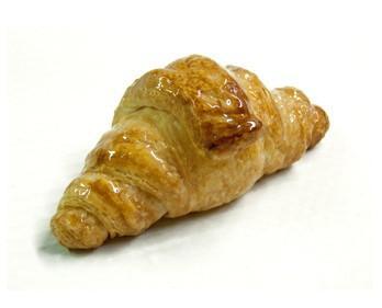 Croissant mini. Deliciosa bollería con peso de 33g.