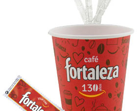 Complementos. 100 u. de azúcar, 100u de paletinas y 100u de vasos