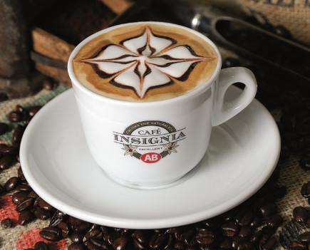 Cafe Insignia. Nuestro blend más preciado. 100% Arábica Natural.