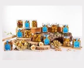 Aceitunas rellenas y caramelizadas. Aceitunas con rellenos naturales distintos sabores y aceitunas rellenas caramelizadas (Dulces)