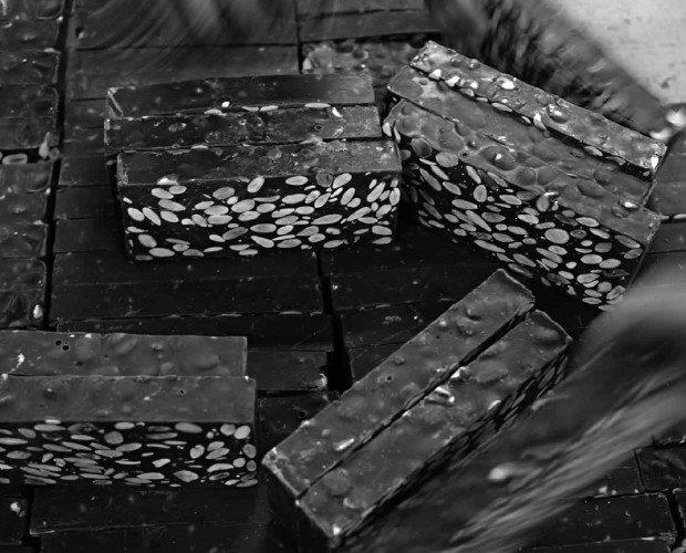 Dulces de Navidad. Turrones. En invierno producimos turrones, dulces, mazapanes y chocolates en jijona