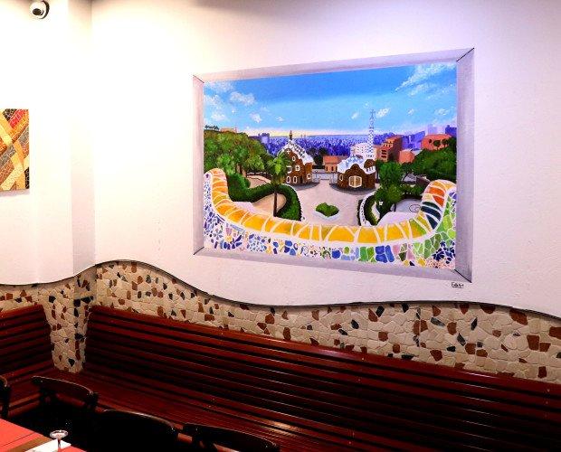 Ventana Parc Guell. Pintura salón restaurante con vistas a parc Guell.