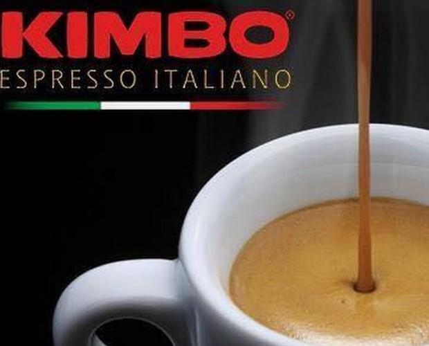 Espresso italiano. Café Kimbo espresso italiano