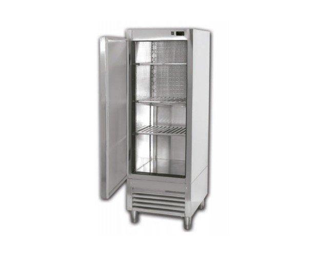 Armario Refrigerador.Maquinaria para conservar sus alimentos