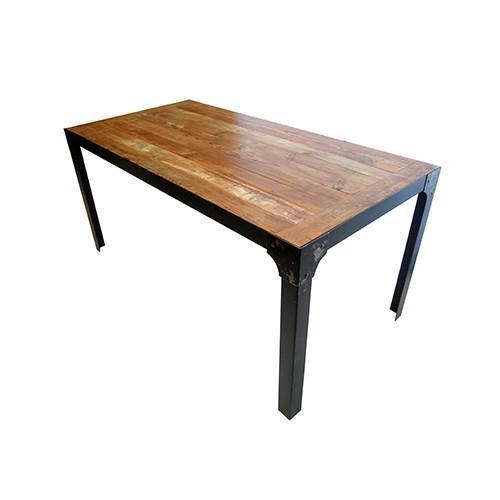 Eiffel. Mesa con estructura de metal y tapa de madera. Posibilidad de personalizar medidas y acabados.