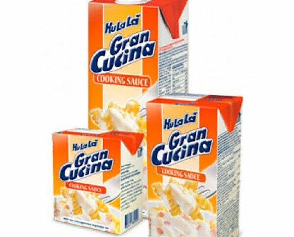 Nata, mantequilla y leche fresca. Nata, mantequilla y leche fresca