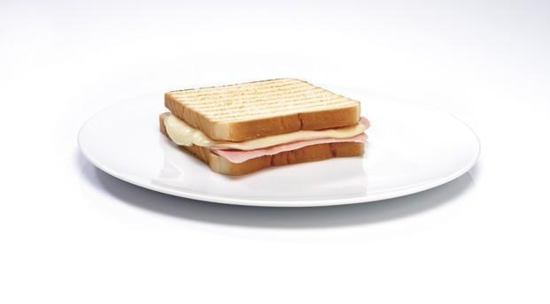 Sandwich Mixto. Platos precocinados