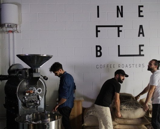 Ineffable Coffee Team. Café de especialidad, fresco de temporada y recién tostado. Trato cercano y transparencia.