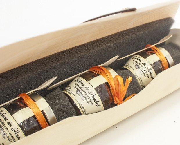Caja de mermeladas. cajas fantasias con mermeladas artesanales. regalos, eventos