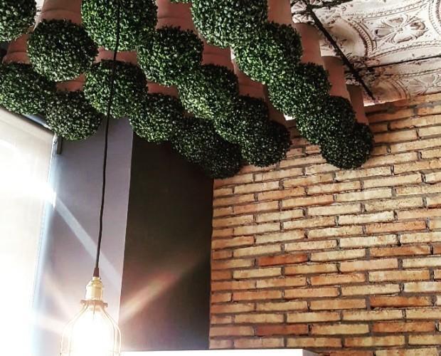 Detalle de techo en el restaurante BDP. Creamos espacios para disfrutar