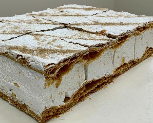 Panadería y Pastelería sin Gluten. Tartas sin Gluten. Milhoja de hojaldre rellena de merengue 8 o 12 u
