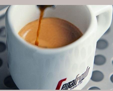 Cafe segafredo. Nuestro rico sabor nos distingue.