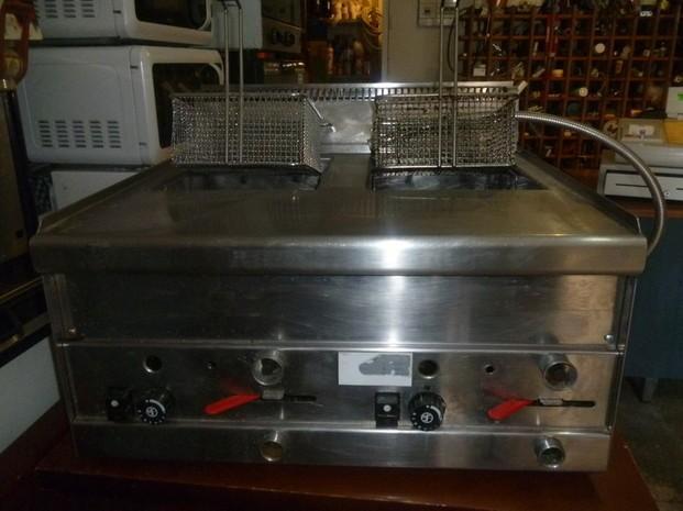Maquinaria de Segunda Mano para Bares.Freidoras, planchas, cocinas de ocasión