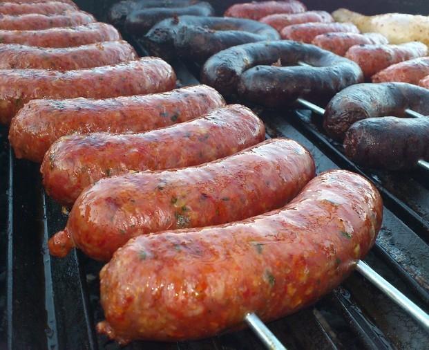 Chorizo criollo . Chorizo criollo parrillero tipo argentino.
