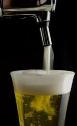 Distribución de bebidas. Bebidas alcohólicas como cerveza y vino