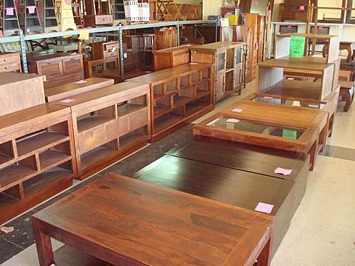 Mobiliario para bares. Somos proveedores de mesas, sillas, etc