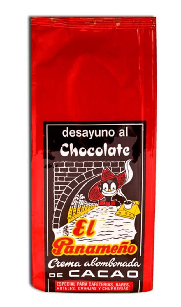 Chocolate. Cacao en polvo para el desayuno