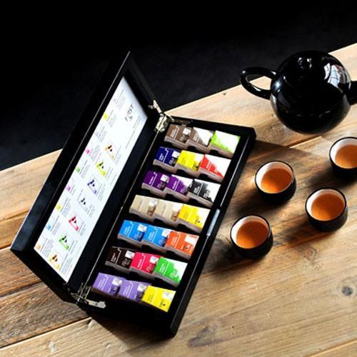 First Tea - Ecológic. Compuesto de una primera selección de las más delicadas hojas de té de la temporada. El cultivo del té verde, negro o blanco es 100% Ecológico. First Tea es completamente Orgánico!.