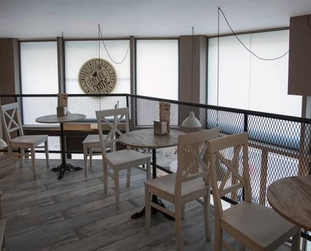 Mobiliario para Hostelería. Muebles para Restaurantes. Algunos de nuestros montajes en cafeterías.