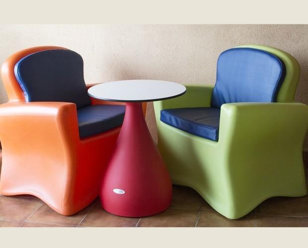 Mesas.Conjunto mesa y sillones