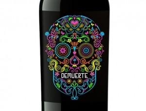 5% de descuento comprando vino tinto De Muerte.