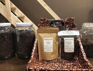 Expositor con café de especialidad